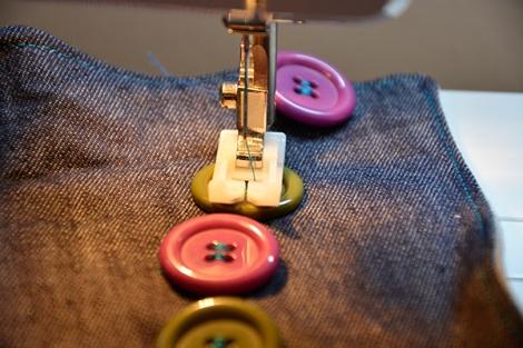 coser boton