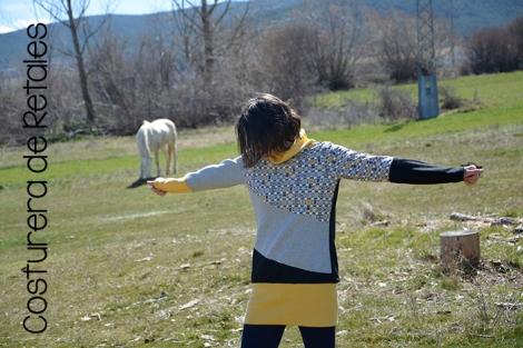 sudadera ladybloques amarilla 04